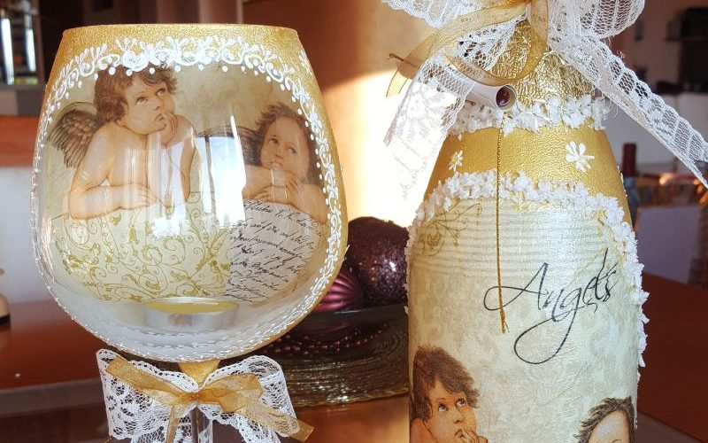 Коледна бутилка и свещник