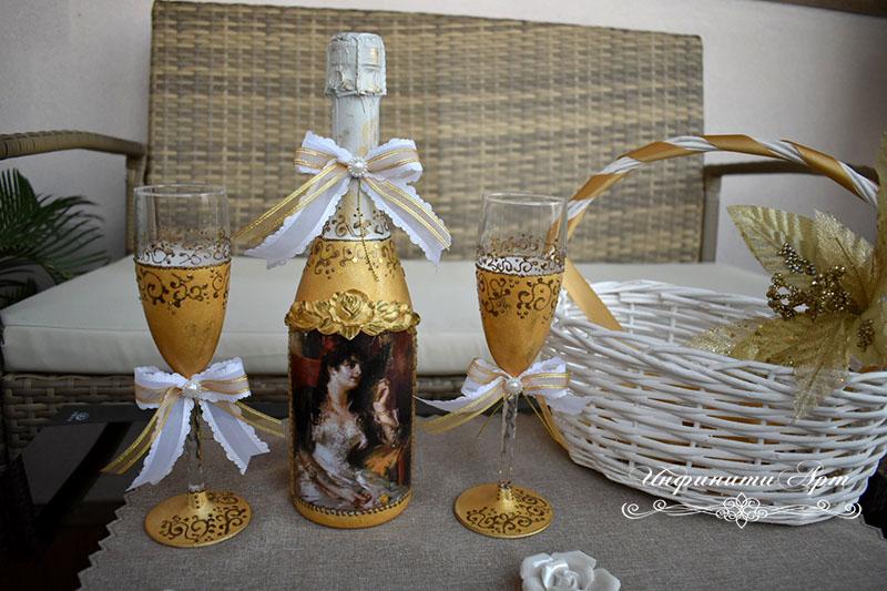 Комплект бутилка и чаши в злато