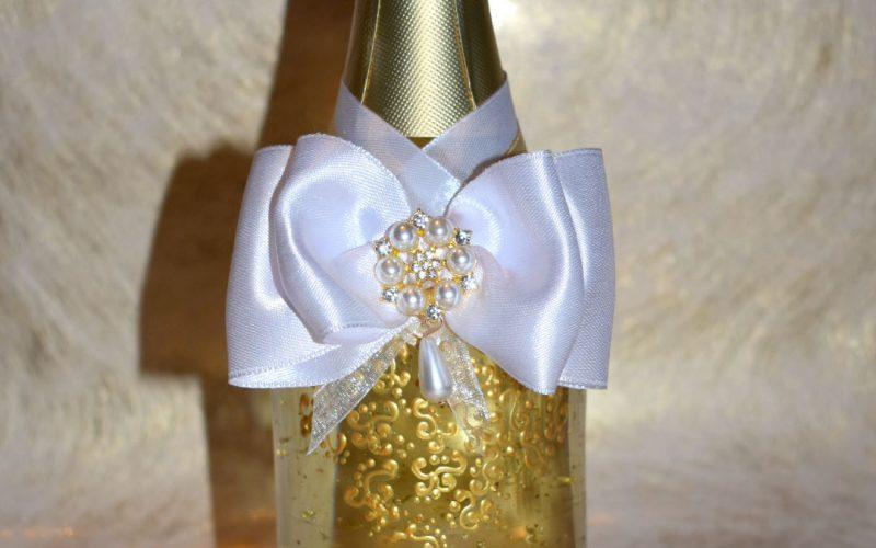 Комплект за сватба бутилка и чаши ръчна изработка , ръчно рисувани
